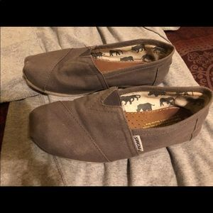 Size 6 Toms in perfect condition!